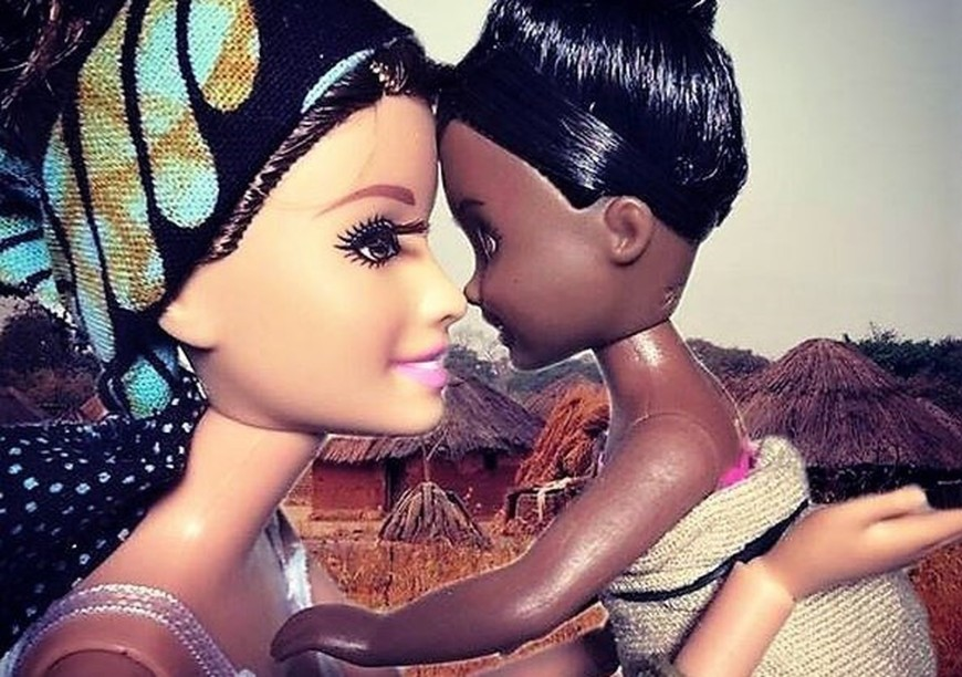 scarlet-la-culture-des-idees-barbie-savior-volontariat