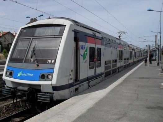 scarletpost-passagers-roissy-express-maspero